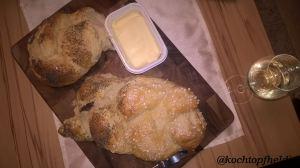 Hefezopf mit Butter