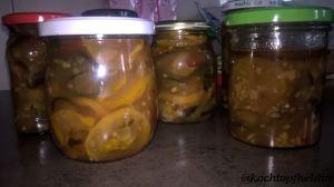 Zucchini-Chutney fertig