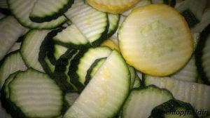Zucchini, geriffelt